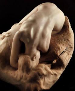 Նկարում Ռոդենի «Դանաիդա» քանդակն է